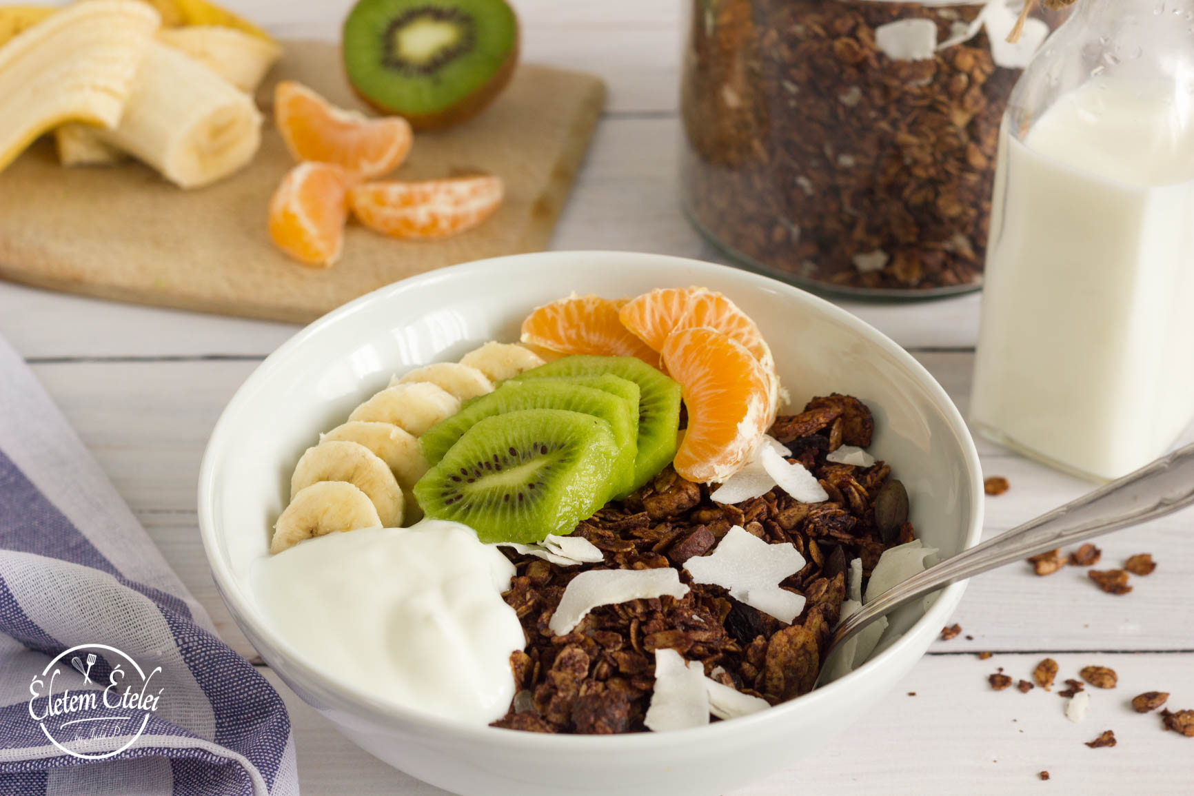 Kakaós granola reggeli